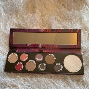 M·A·C Eyeshdow Palette RISK TAKER- LIMITED EDITION